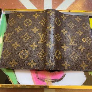WOW! Authentic Louis Vuitton Agenda